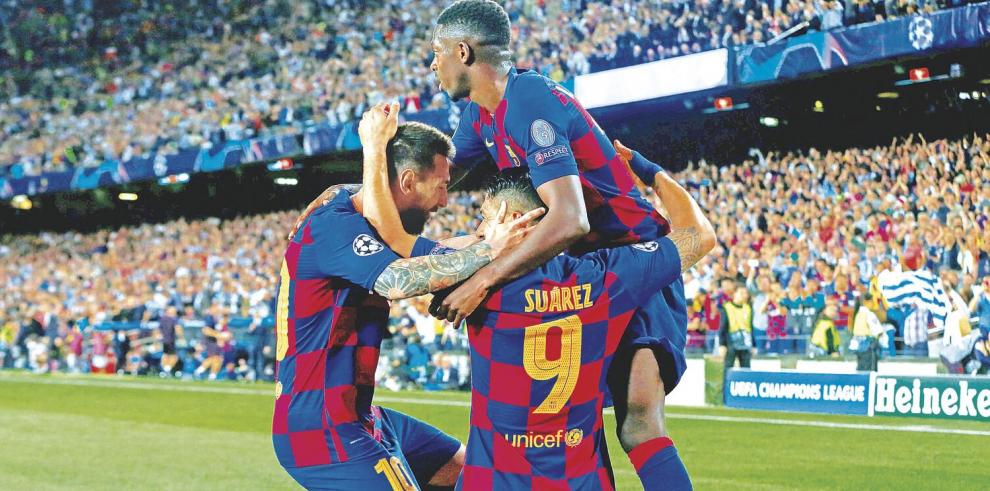Ajax_muestra_el_musculo_Barcelona_gana-0