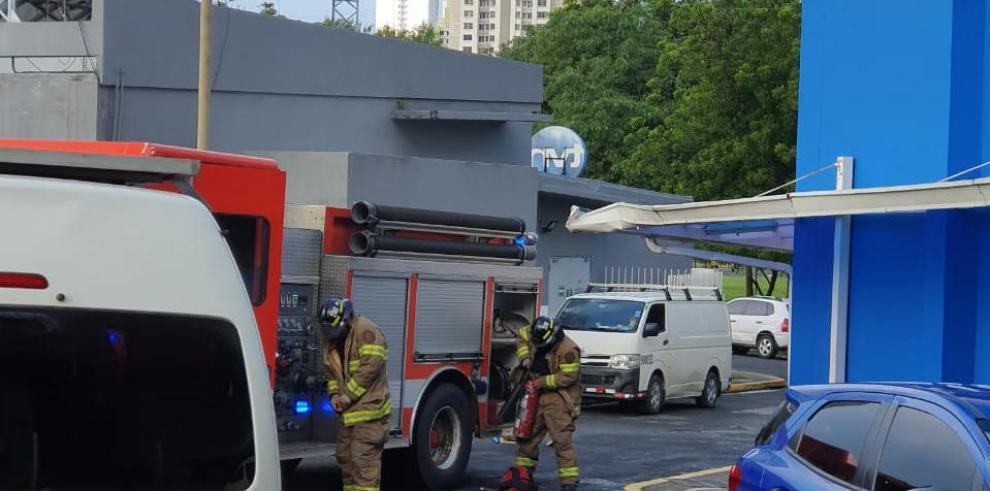 Cuerpo de Bomberos atienden emergencia en TVN
