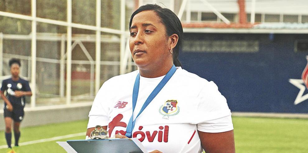 Por_una_victoria_sale_hoy_Panama_ante_Guatemala_en_el_futbol_femenino-0