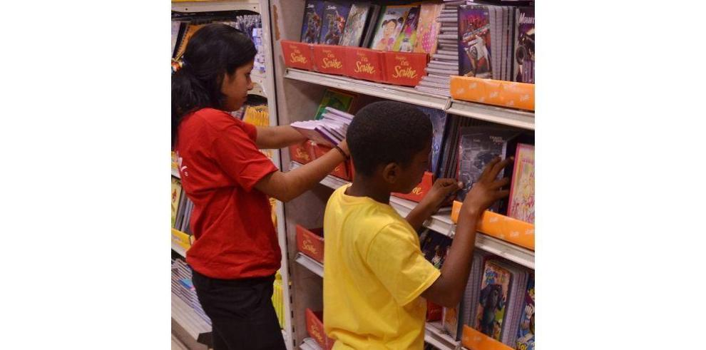 La Acodeco presenta lista de precios de los útiles escolares