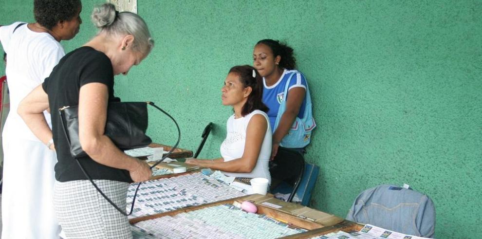 Zulay presenta proyecto que aumenta comisión a billeteros