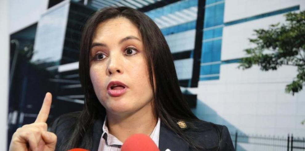 Zulay: Crisol de Razas tiene que eliminarse como lo prometió Varela