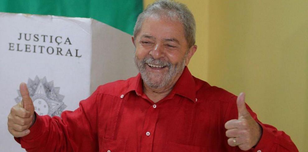 Lula responde a la acusación de tráfico de influencias