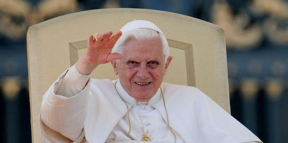 Benedicto XVI, el papa emérito, entre olvidado y añorado