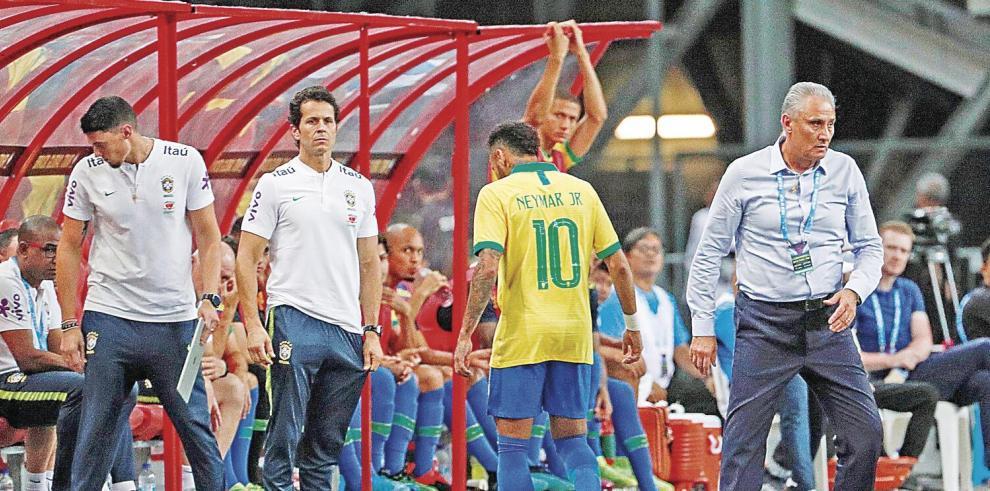 Neymar_Jr._el_nino_de_cristal_que_otra_vez_es_atacado_por_las_lesiones-0