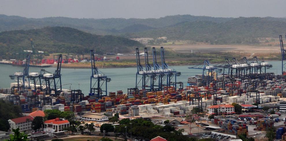 Puertos mueven 6.5 millones de contenedores