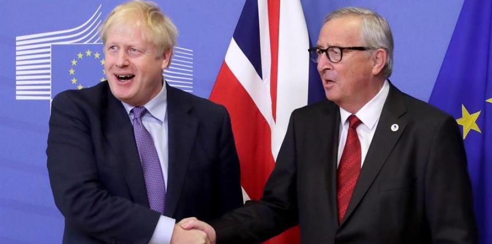 el presidente de la Comisión Europea, Jean-Claude Juncker, y el primer ministro británico, Boris Johnson.