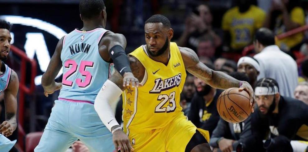 NBA Lebron (d)