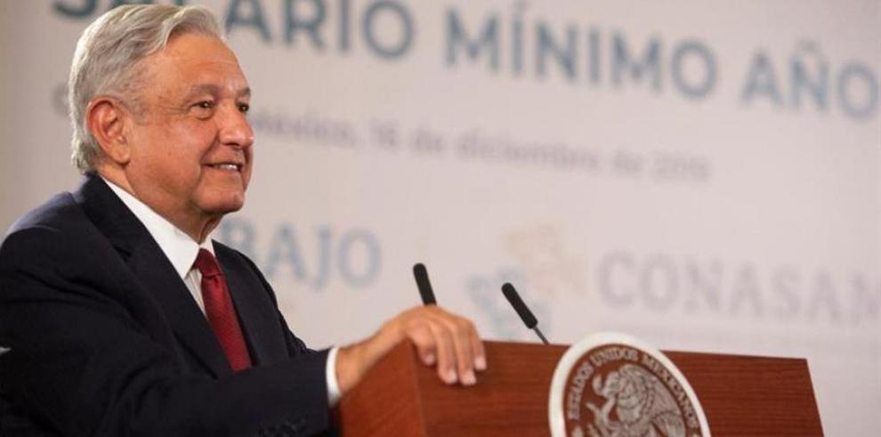 El Gobierno de México, empresarios y sindicatos acordaron este lunes aumentar un 20 % el salario mínimo general