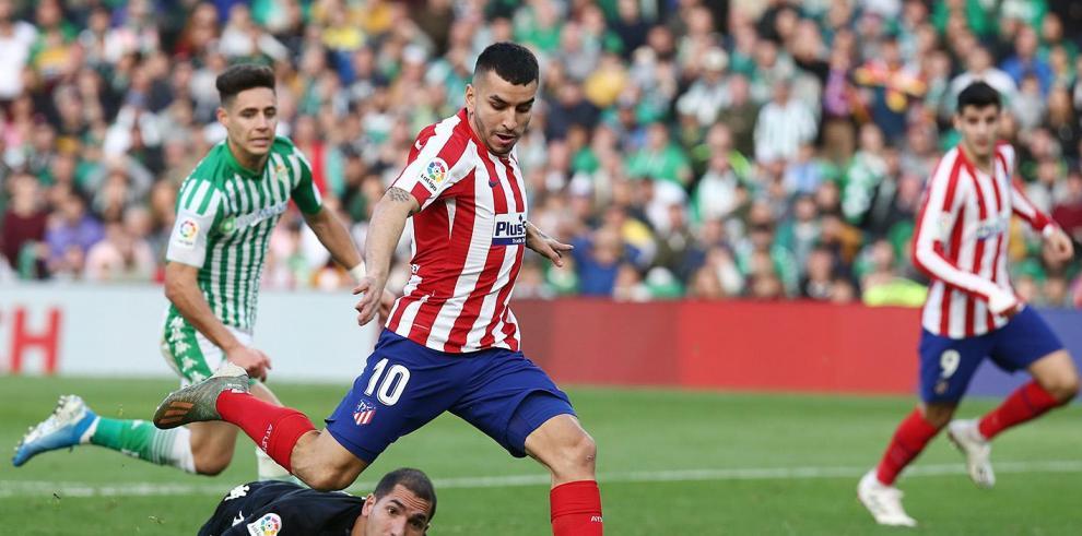 El Atlético vuelve a sonreír como visitante tres meses después (1-2)