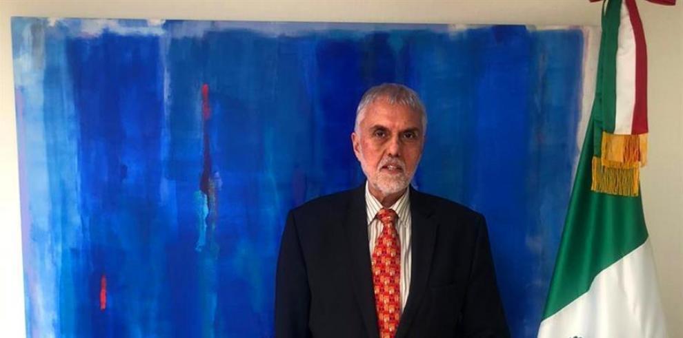 diplomático mexicano Edmundo Font en Bolivia