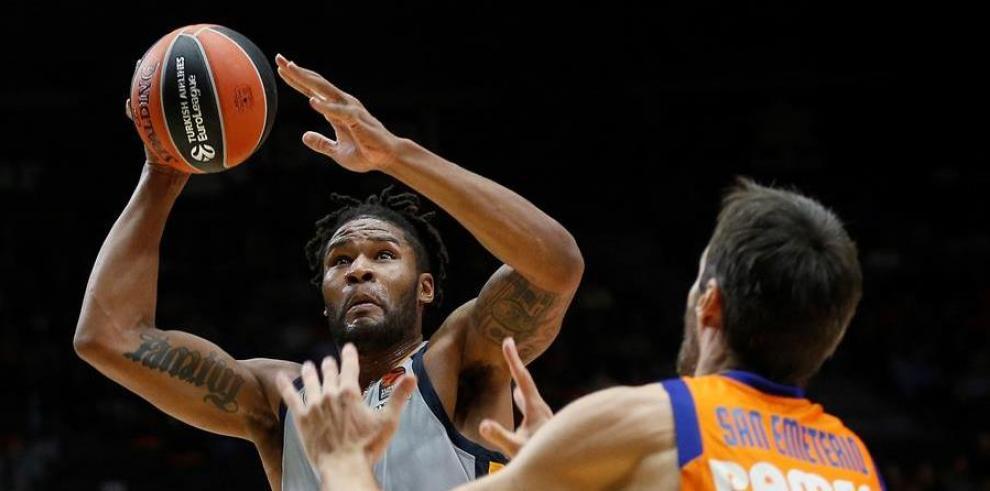 120-112. Devin Booker dirige el ataque de los Suns
