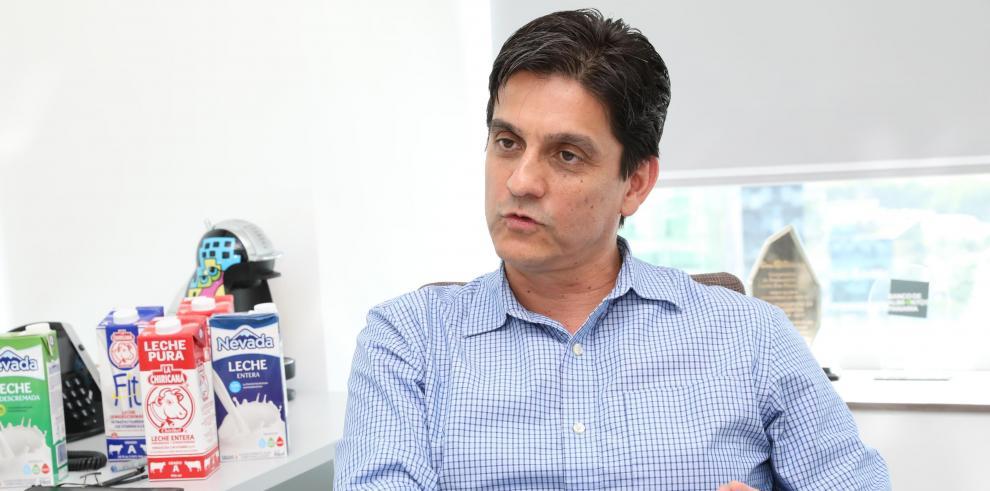 El gerente de país para Productos Nevada, Andrés Solís, manifestó a este diario que vinieron al país a invertir y así lo seguirán haciendo.