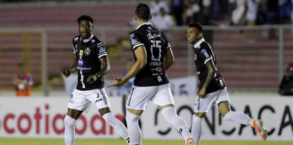 Los taurinos, dirigidos por el uruguayo Saúl Maldonado, mostraron su poder goleador al dar cuenta 3-1 del CAI