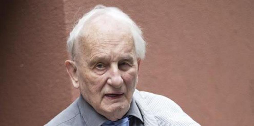Muere Rolf Hochhuth, uno de los dramaturgos alemanes claves de la postguerra