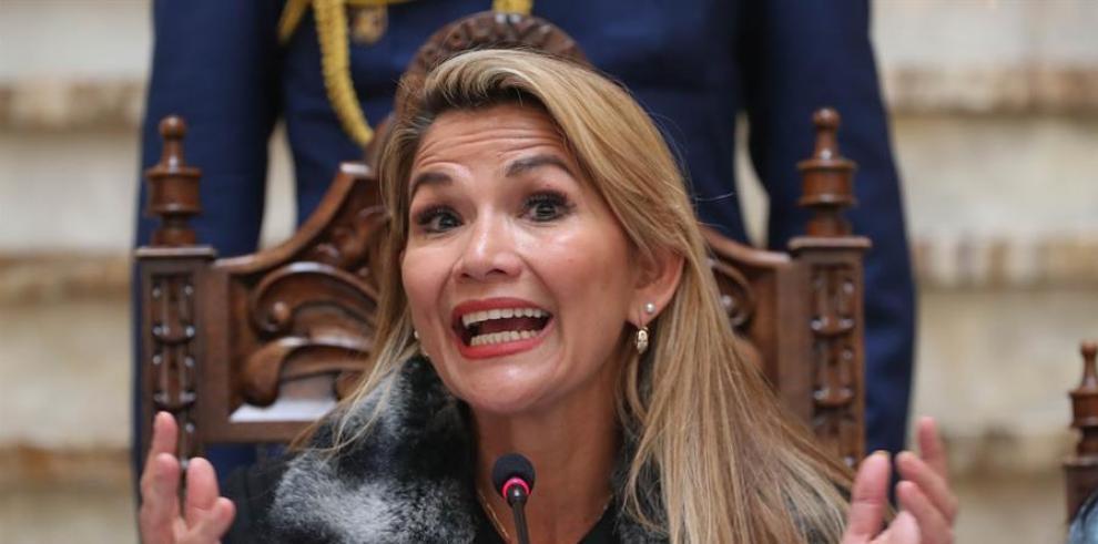 Jeanine Áñez,  presidenta interina de Bolivia tras el golpe de Estado que derrocó a Evo Morales.