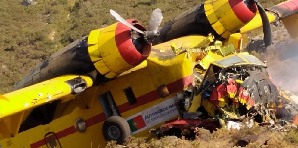 Una aeronave portuguesa cayó hoy cuando combatía un incendio declarado en el transfronterizo Parque del Gerês-Xurés entre España y Portugal