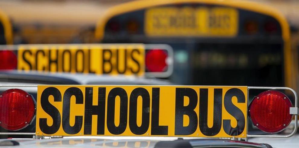 El 77 % de los padres siente que es peligroso enviar a los niños a la escuela, mientras casi la mitad (49 %) asegura que no los enviará de regreso a las aulas, según una encuesta encomendada por la FEA a Clearview Polling.