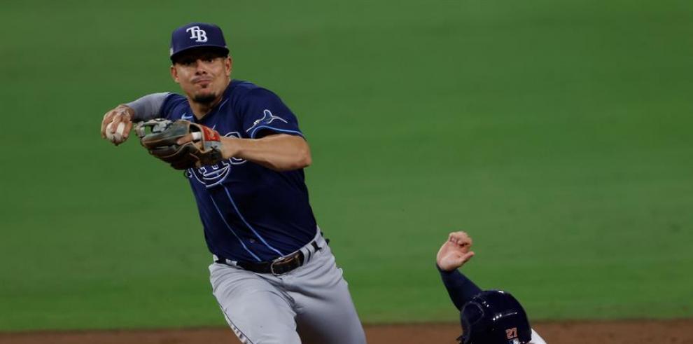Los Rays de Tampa Bay volvieron a ser los protagonistas ganadores en la Serie de Campeonato de la Liga Americana al ponerse a solo un triunfo de conseguir el boleto a la Serie Mundial del béisbol profesional de las Grandes Ligas.