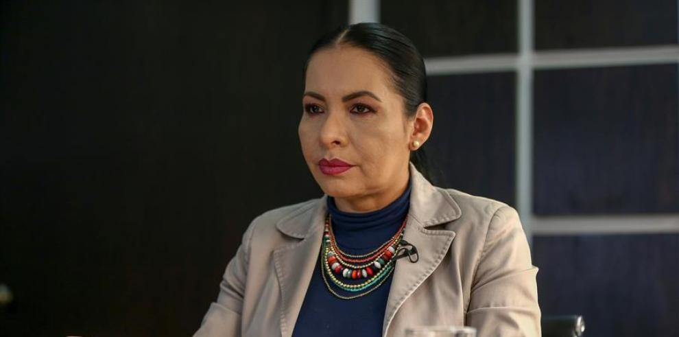 Diana Atamaint, CNE, Ecuador