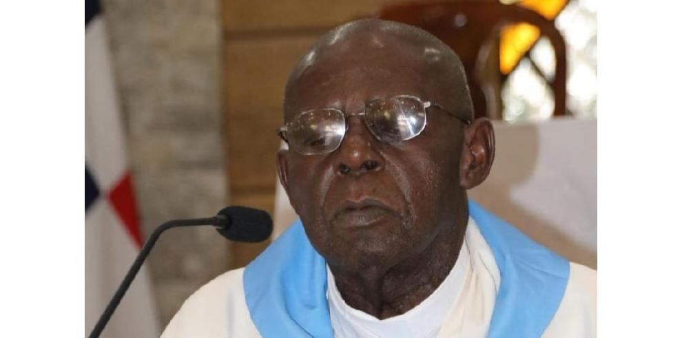 Monseñor Uriah Ashley