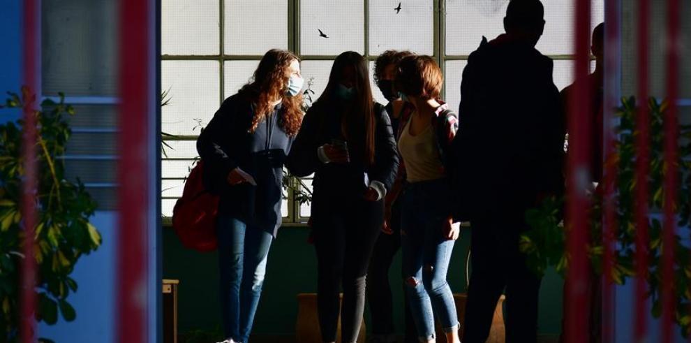 Alumnos de secundaria griegos