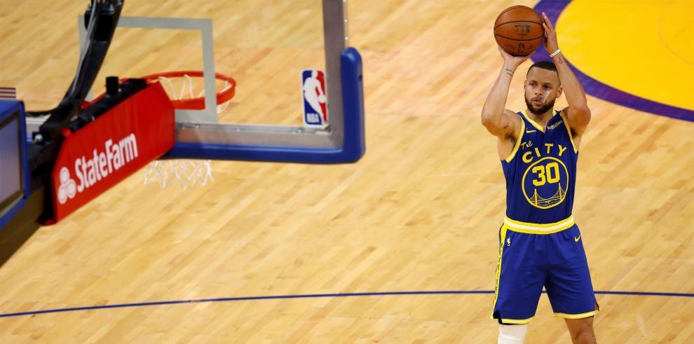 Stephen Curry, base estrella de los Warriors de Golden State