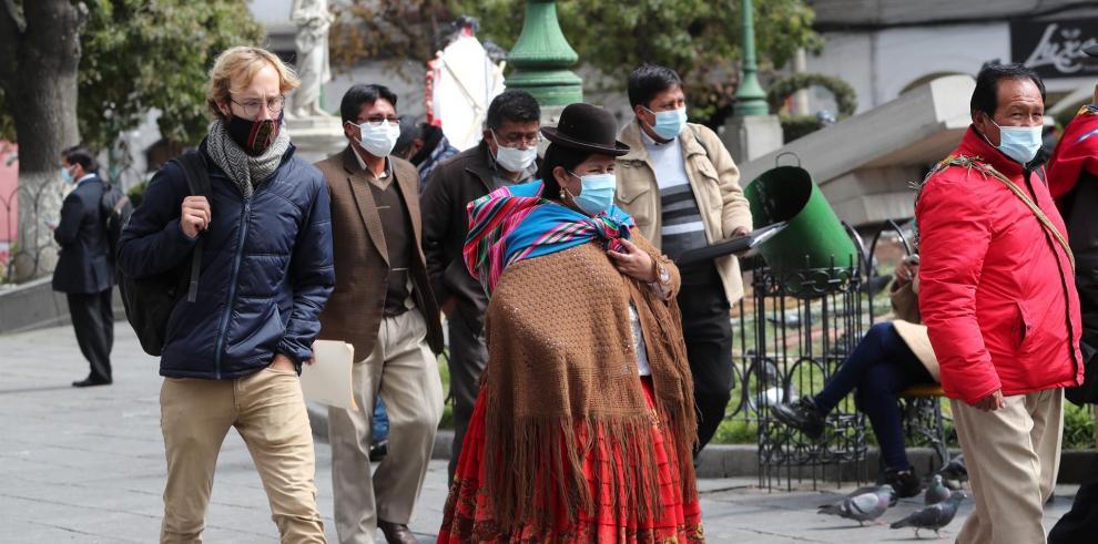 El racismo en Bolivia, cuestión pendiente marcada por la distinción económica.