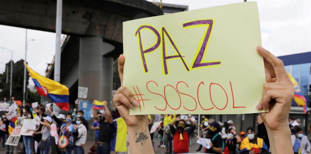 Manifestantes convocados por redes sociales salieron este domingo a dar la bienvenida a la Comisión Interamericana de Derechos Humanos