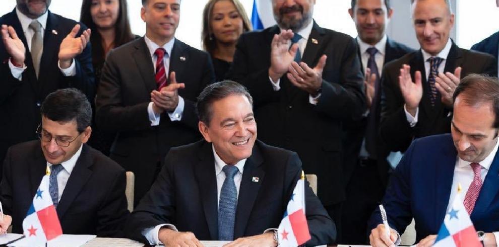 Cortizo Cohen firma compromiso por $2,000 millones para reactivar economía