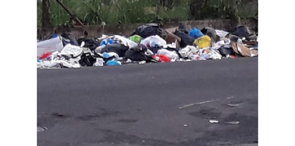 Recolección de basura en el distrito de Colón avanza con retrasos