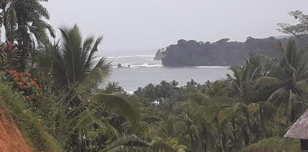 AMP advierte condiciones adversas en ambos litorales