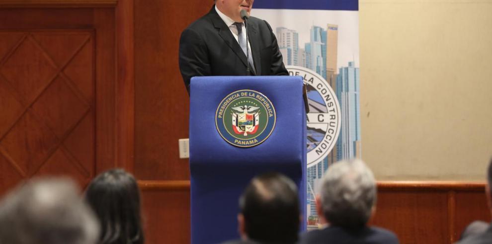 Varela cierra ciclo de presentación de factibilidad del tren Panamá-David