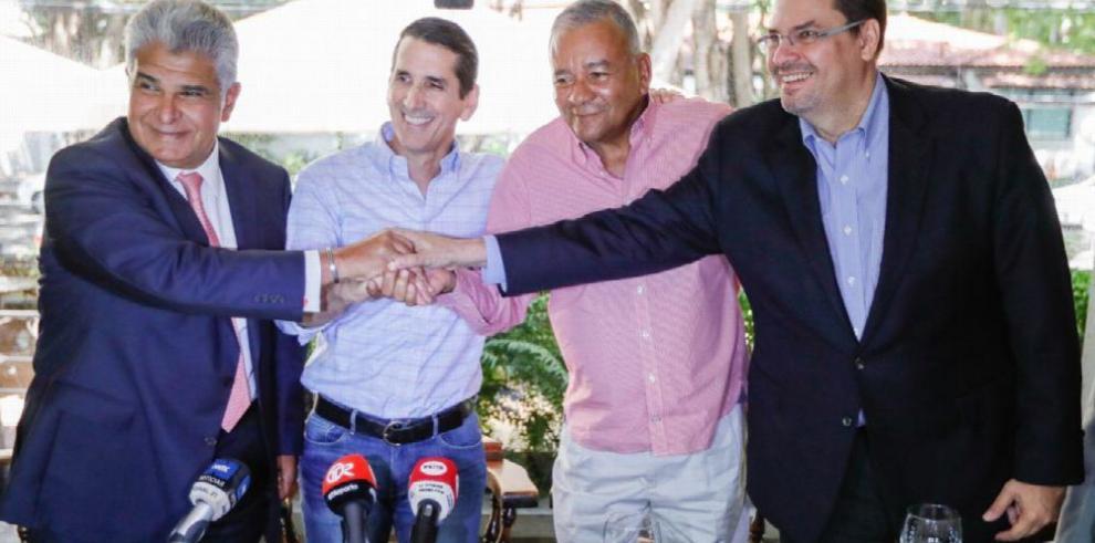 Roux y Mulino se reconcilian con miras a los comicios