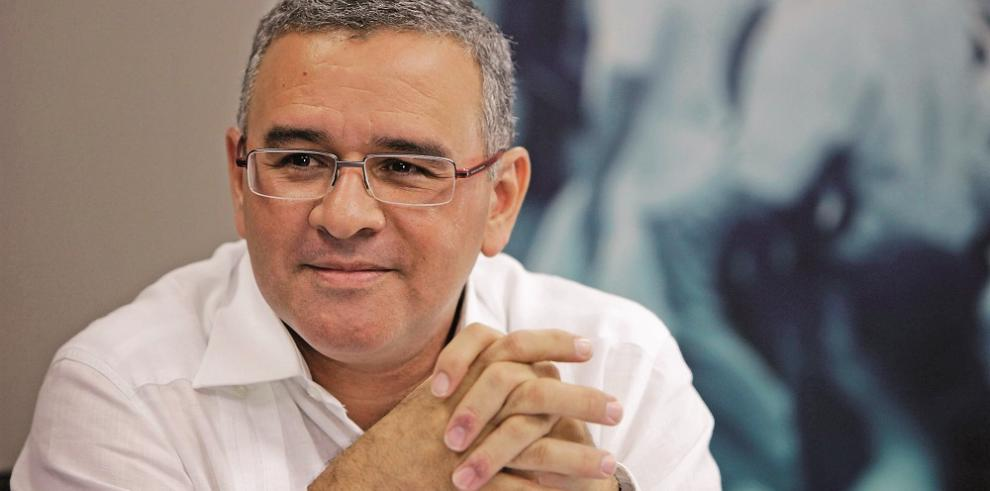 Ordenan detener a expresidente salvadoreño Funes por revelar documento EEUU