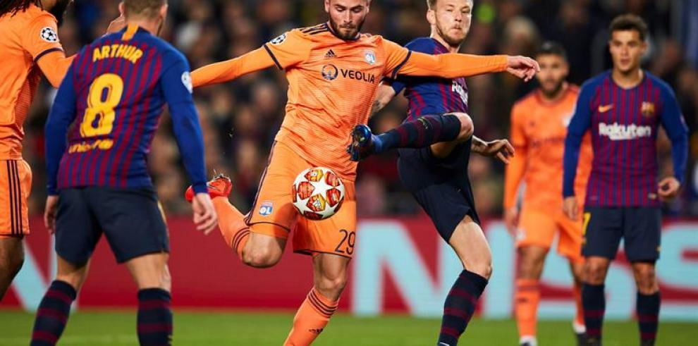 El Barcelona vence al Lyon 5-1 y se clasifica para los cuartos de final