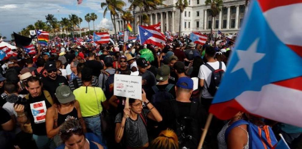 El futuro político de Puerto Rico es incierto a tres días de la salida de Rosselló