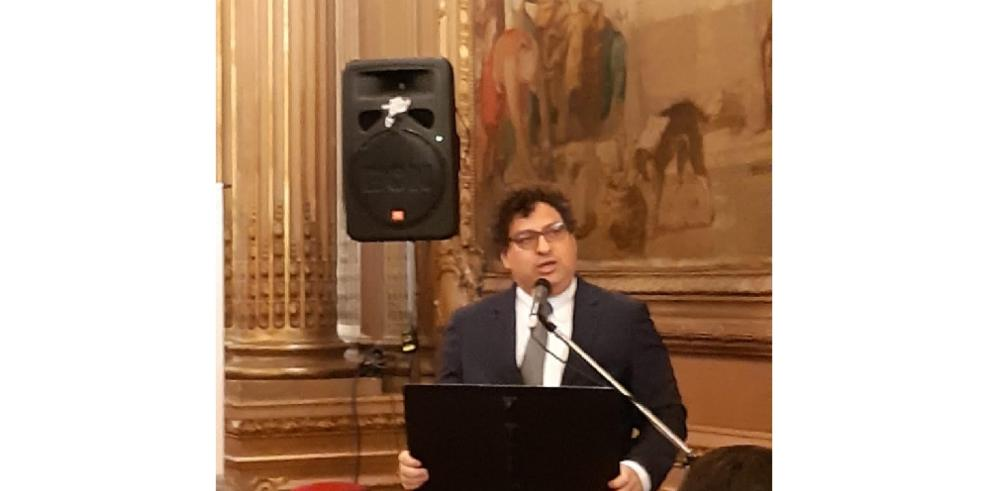 Otorgan premio 'América en Diálogo' a rabino Gustavo Kraselnik