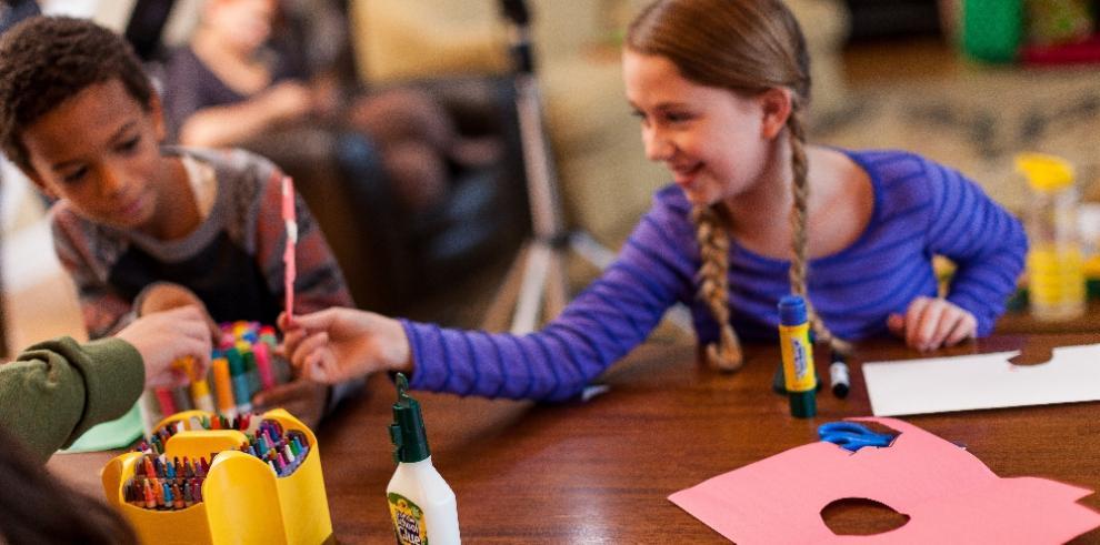 Reciclar con creatividad e ingenio contribuye con el medio ambiente