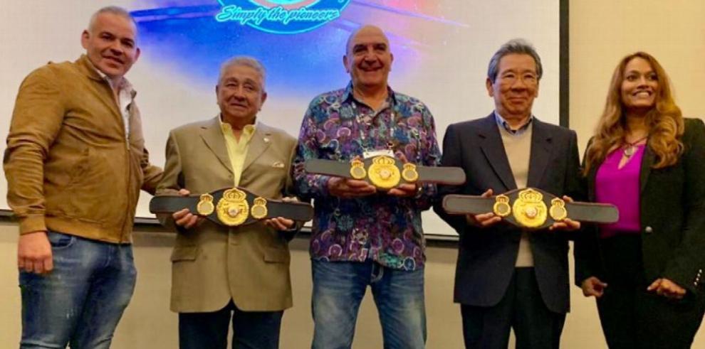 Aurelio Fiengo recibe distinción por su gran trayectoria en el boxeo