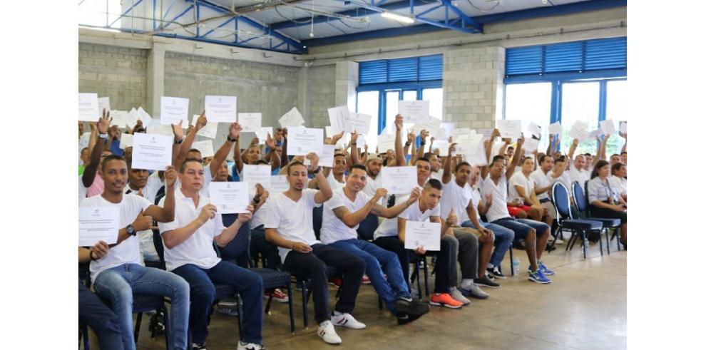 Inadeh entregó 26,339 certificaciones en los Centros Penintenciarios