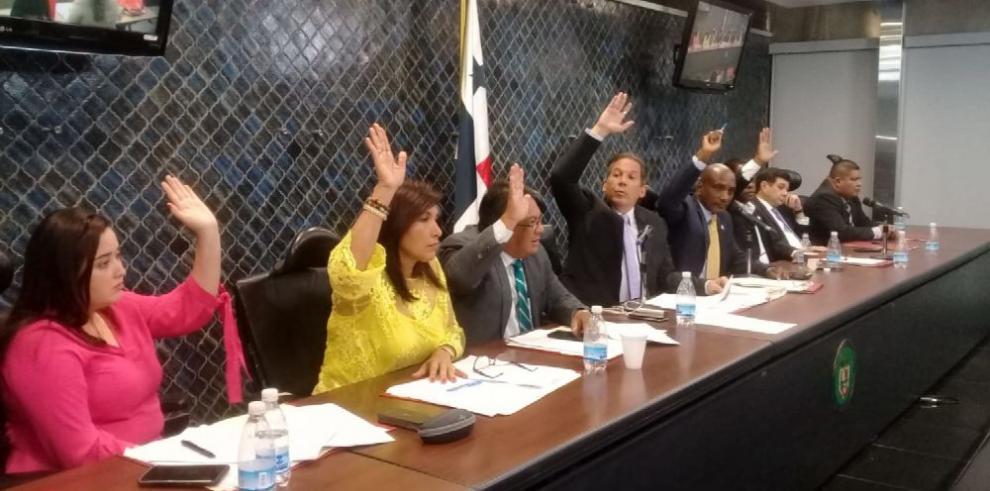 Diputados archivan proyecto sobre contrato entre Minera Panamá y el Estado