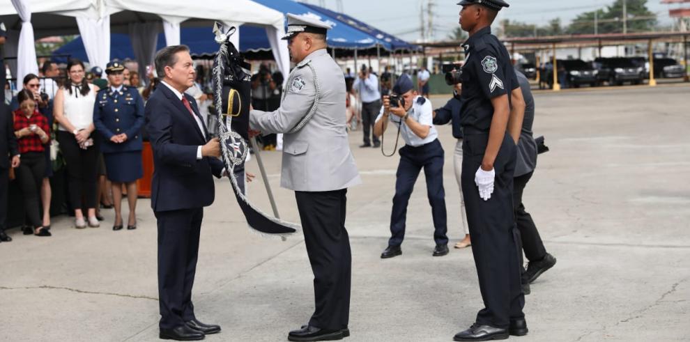 Directores y subdirectores de los estamentos de seguridad asumen el mando