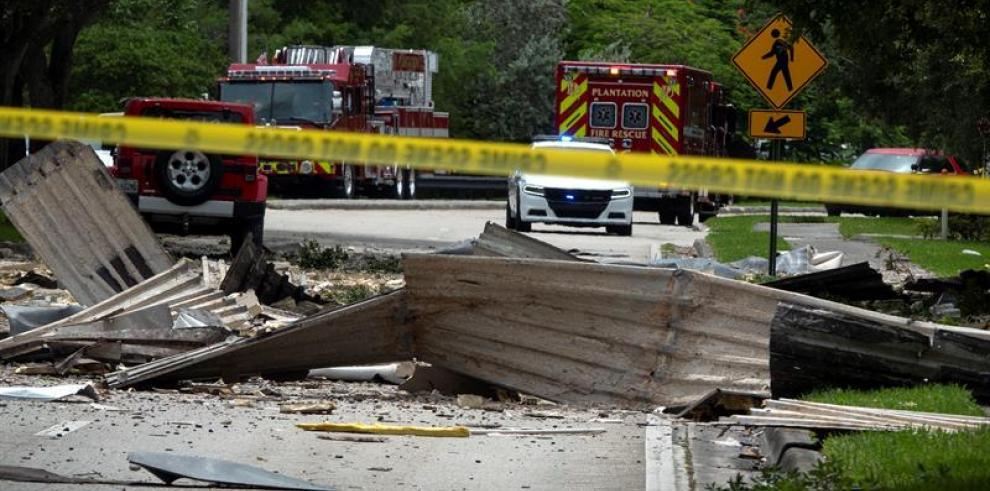 Dos personas aún hospitalizadas por explosión en centro comercial de Florida