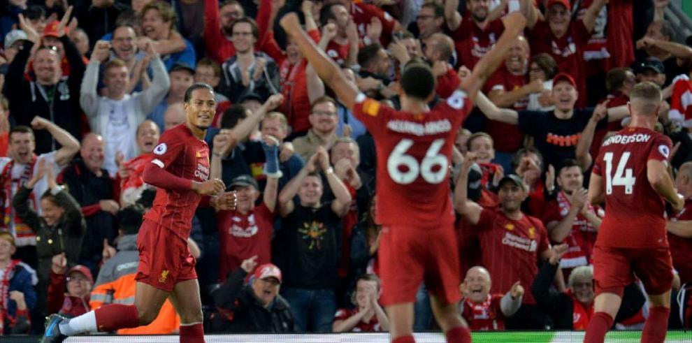 Un imponente Liverpool abre la temporada de fútbol en Europa