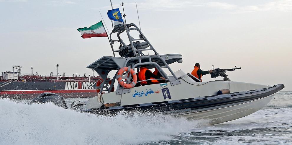 Irán captura barco extranjero por transportar combustible de contrabando
