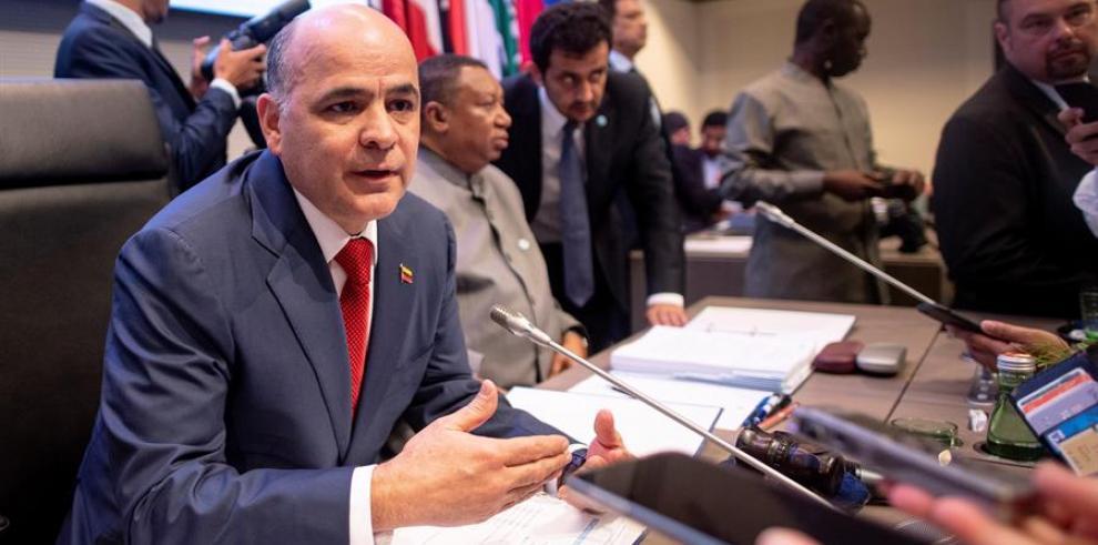 Gobierno venezolano dice que la capacidad petrolera ha sido golpeada por bloqueo
