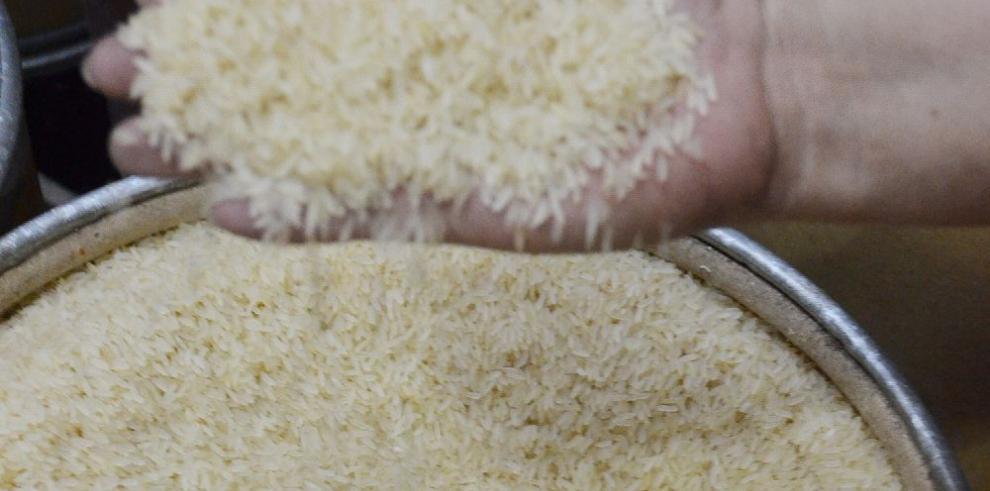 Gobierno asegura que hay 'suficiente' arroz y que 'no' habrá importación