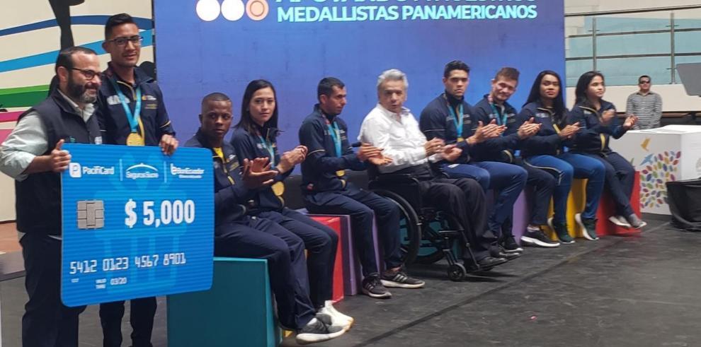 Ecuador premia con casi 100.000 dólares a medallistas de Panamericanos
