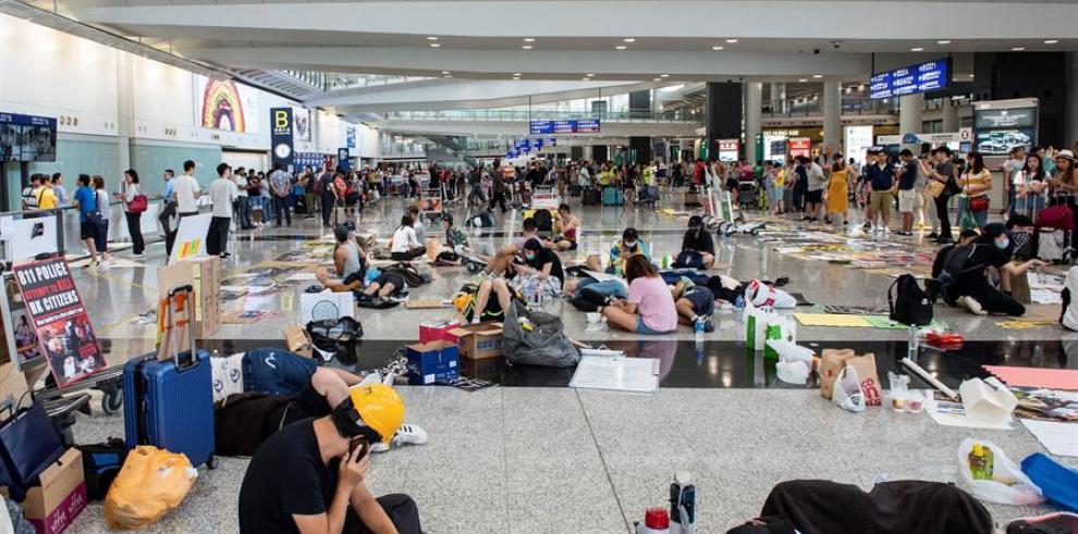 La justicia de Hong Kong interviene para devolver la normalidad al aeropuerto